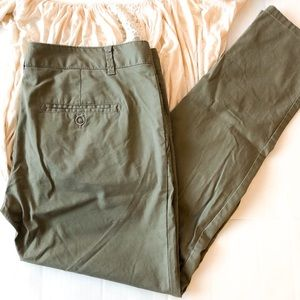 The Limited olive crop pants